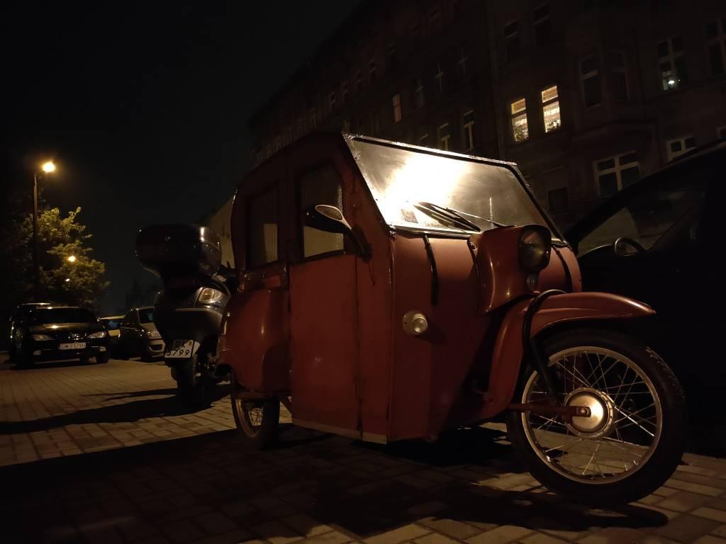 Oppo Reno3 Pro - tryb auto nocą
