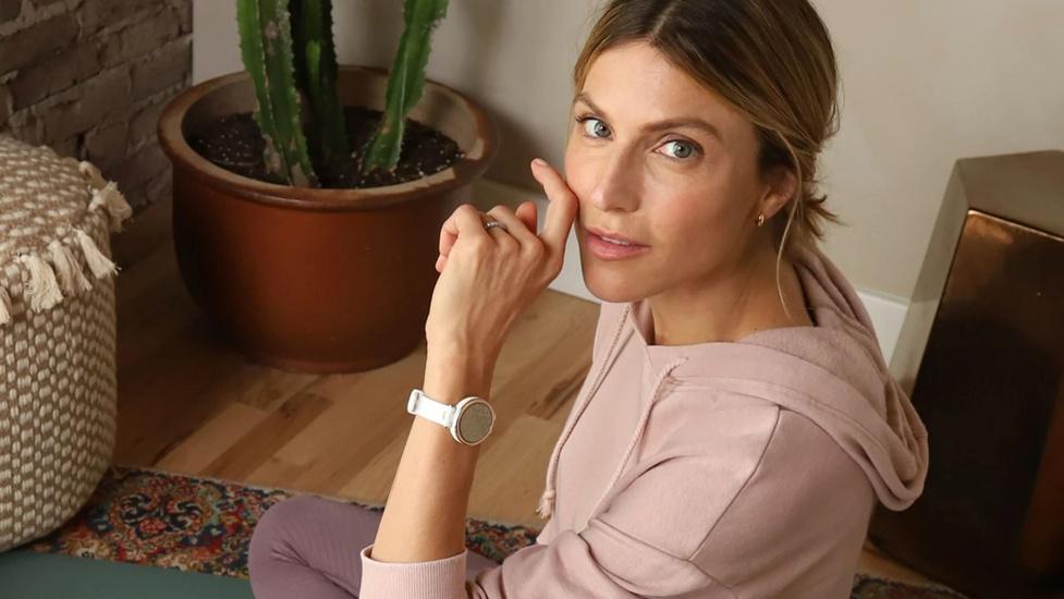 Elegancki smartwatch dla kobiet Garmin Lily
