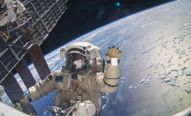 Astronauci Obejrzą Najnowsze Gwiezdne Wojny