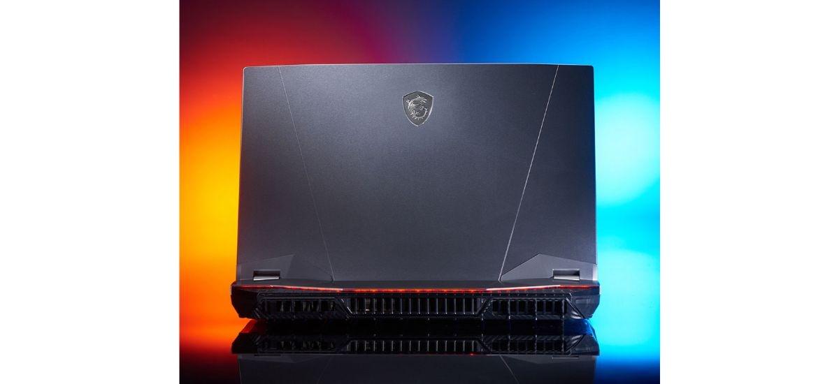 MSI GT76 Titan - wylot chłodzenia