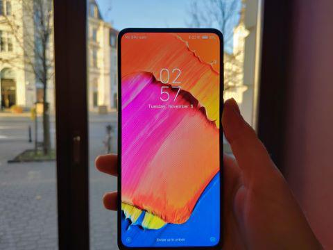 Xiaomi Mi Mix 3 z AMOLEDem zbliza się poziomem do Samsunga