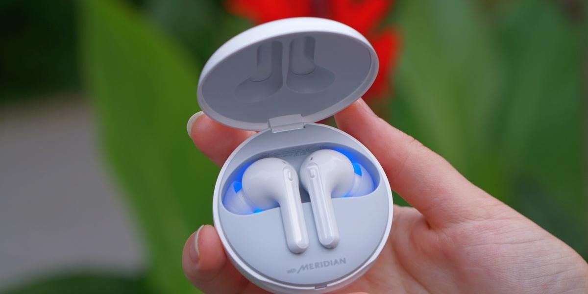 Czyszczenie słuchawek pozwala pozbyć się bakterii
