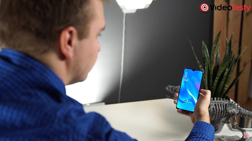 Oppo pozwala odblokować telefon twarzą