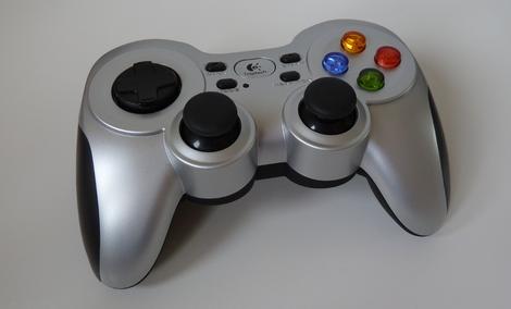 Recenzja Logitech Gamepad F710 - Rewelacyjny Pad!