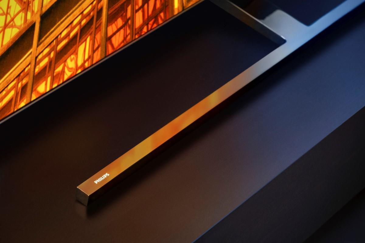 Podstawa w kształcie litery T w OLED 855