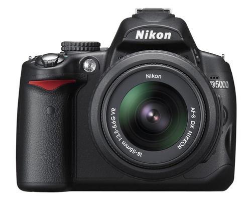 NIKON D5000 AF-S DX18-55MM F/3.5-5.6G VR