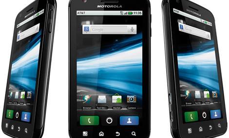 Motorola ATRIX - solidny smartfon w przystępnej cenie