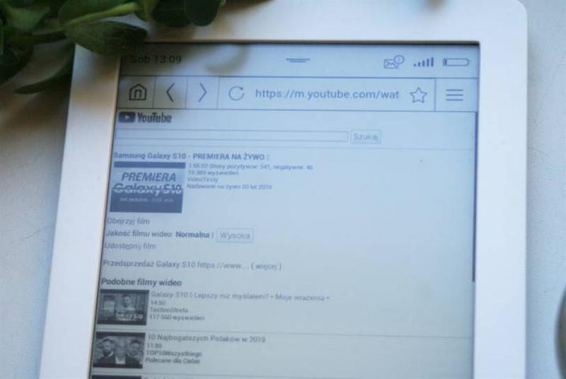 Czytnik e-booków z ekranem E-Ink Carta