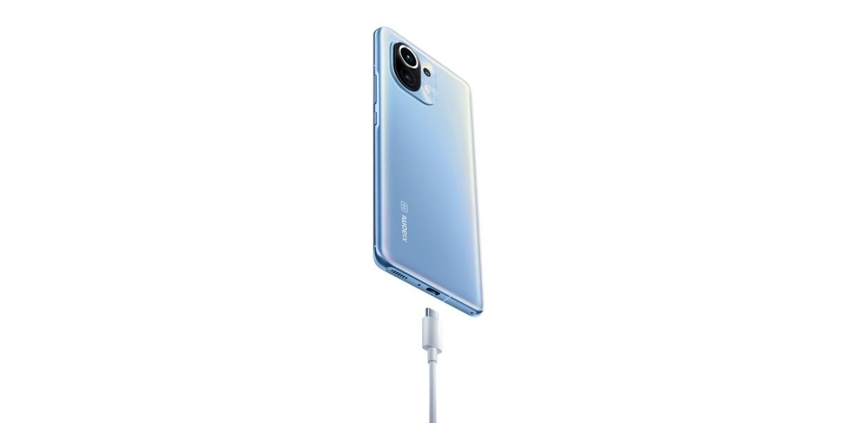 Xiaomi Mi 11 pojawi się z ładowarką na polskim rynku