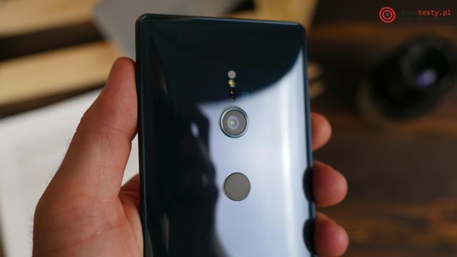 Sony Xperia XZ2 aparat i czytnik linii papilarnych