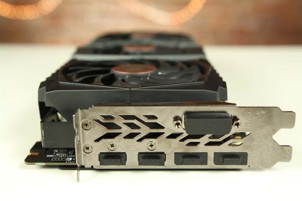 Złącza MSI GTX 1080 Ti Gaming X Trio