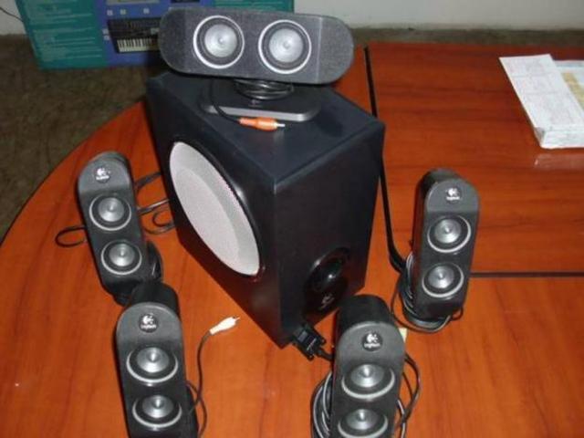 Zestaw głośników Logitech X-530 -  spora moc i dźwięk surround 5.1