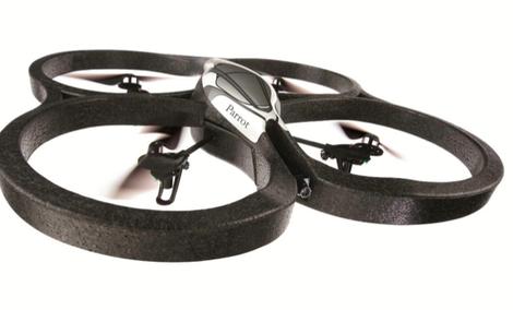 Quadricopter do gier wideo pilotowane przez Wi-Fi
