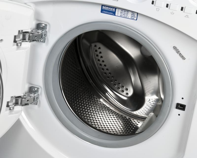Ariston AWM 1081 EU ( 1000 obr/min ; 7 kg ; 595mm ; Klasa A+ )