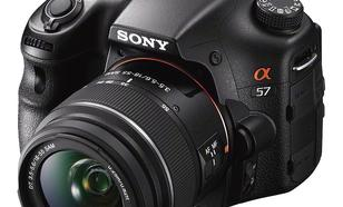 Sony SLT-A57 - 16-megapikselowy aparat z nieruchomym, półprzepuszczalnym lustrem