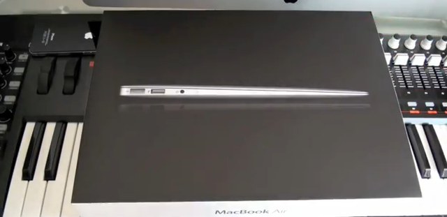 MacBook Air i7 (2011) - unboxing i prezentacja