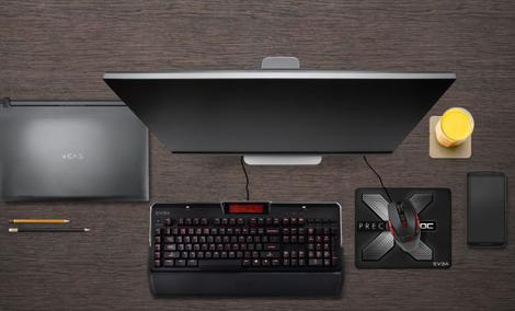 EVGA Z10 - Mechaniczna klawiatura z wyświetlaczem