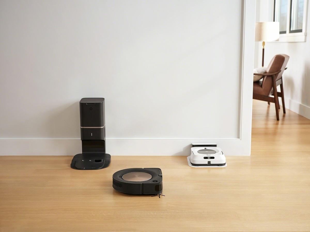 Robot i mop w salonie iRobot