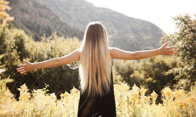 Jak często prostować włosy, żeby ich nie zniszczyć?