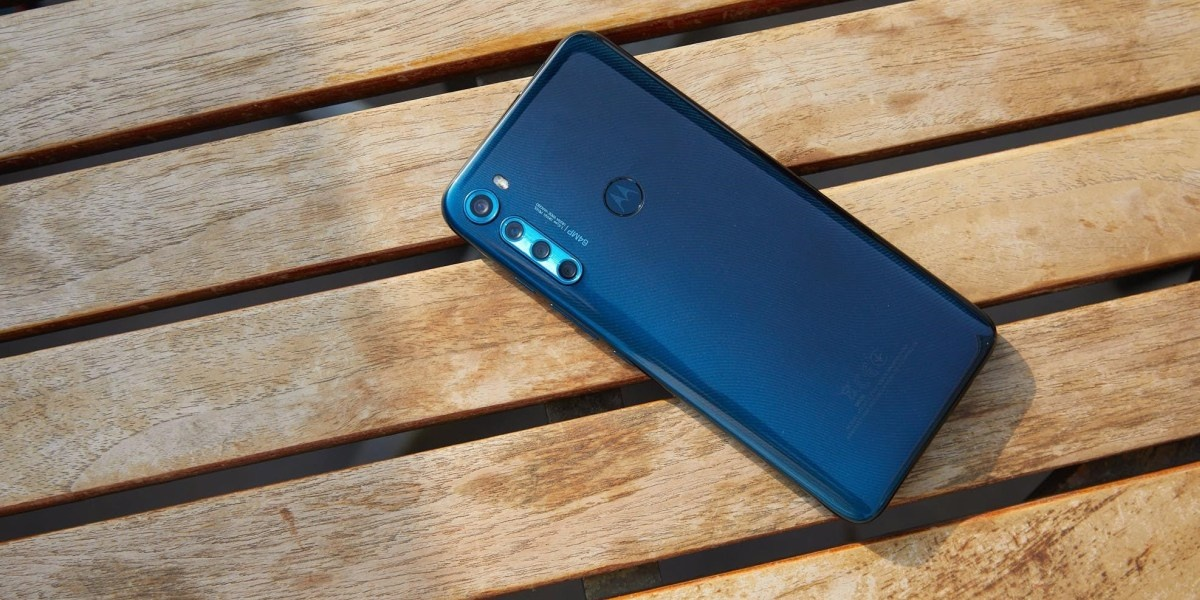 Motorola One Fusion+ dostala cztery aparaty z tyłu