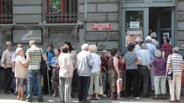 Kolejki na poczcie to wieloletnia tradycja w Polsce