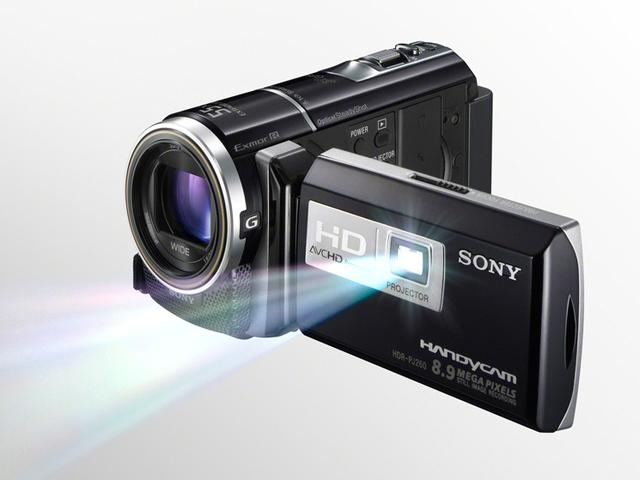 Sony HDR-PJ260VE - niewielka kamera z wbudowanym projektorem