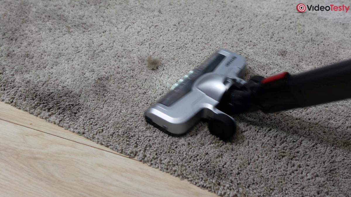 Sharp SA-VP4001BS-EU sierść na dywanie