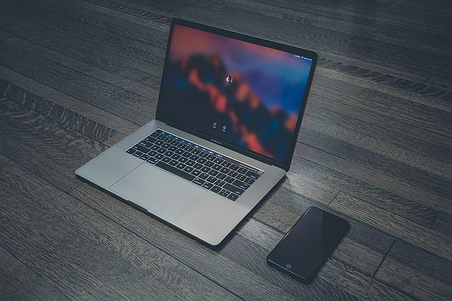 MacBook Pro może zająć się ogniem przez wadliwe baterie