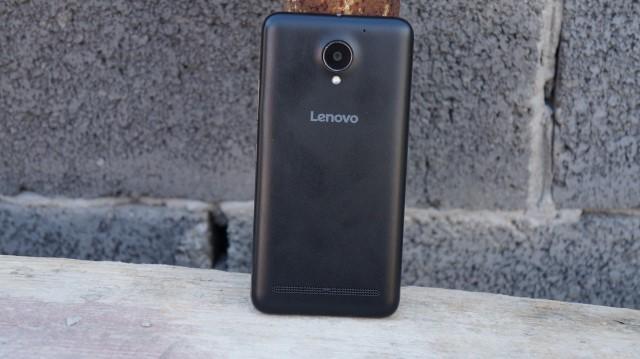 Lenovo C2 - plecki, aparat