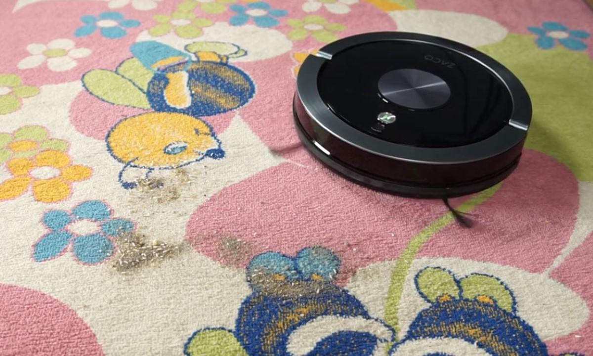 Zaco A9s na dywanie