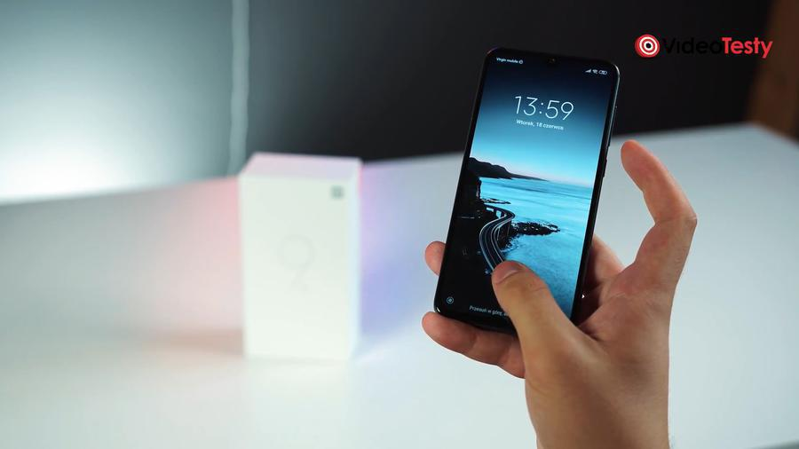 Xiaomi Mi 9 SE wyposażono w czytnik linii papilarnych pod ekranem