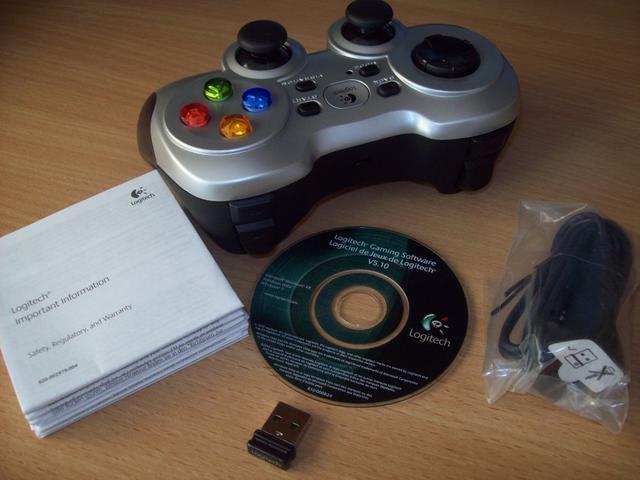 Gamepad F710 Zawartosc Opakowania