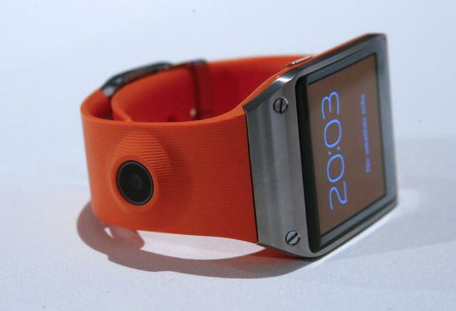 Samsung Galaxy Gear fot3