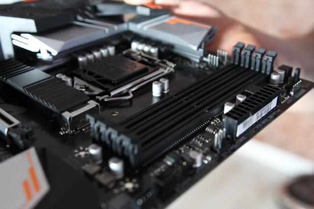 Gigabyte Aorus B360 Gaming 3 WiFi - RAM