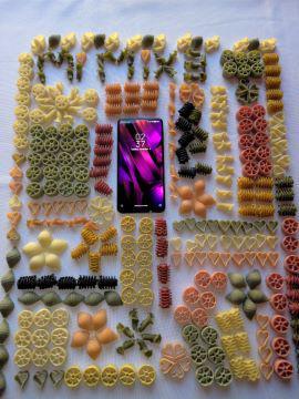 Xiaomi Mi Mix 3 m naprawdę kolorowy ekran