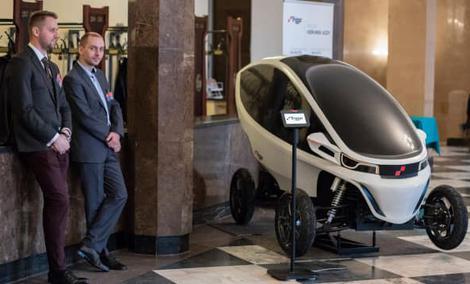Polacy opracowali skuter i samochód w jednym – Triggo