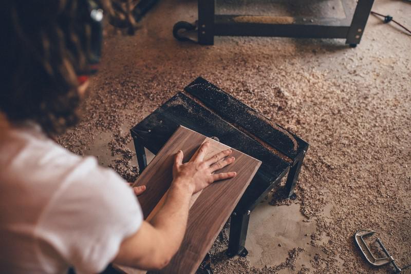 Pył jest zmorą pracy ze szlifierkami