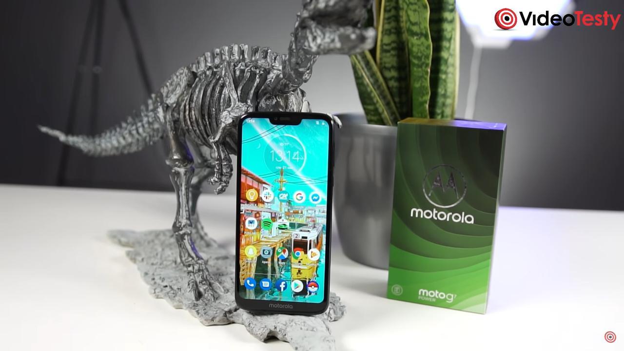 Motorola Moto G7 Power to telefon wyglądający niepozornie, ale działający szybko