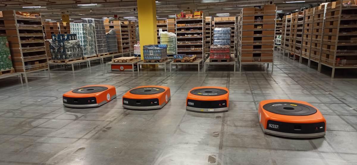 Roboty magazynowe Amazonu potrafią pracować w zespołach