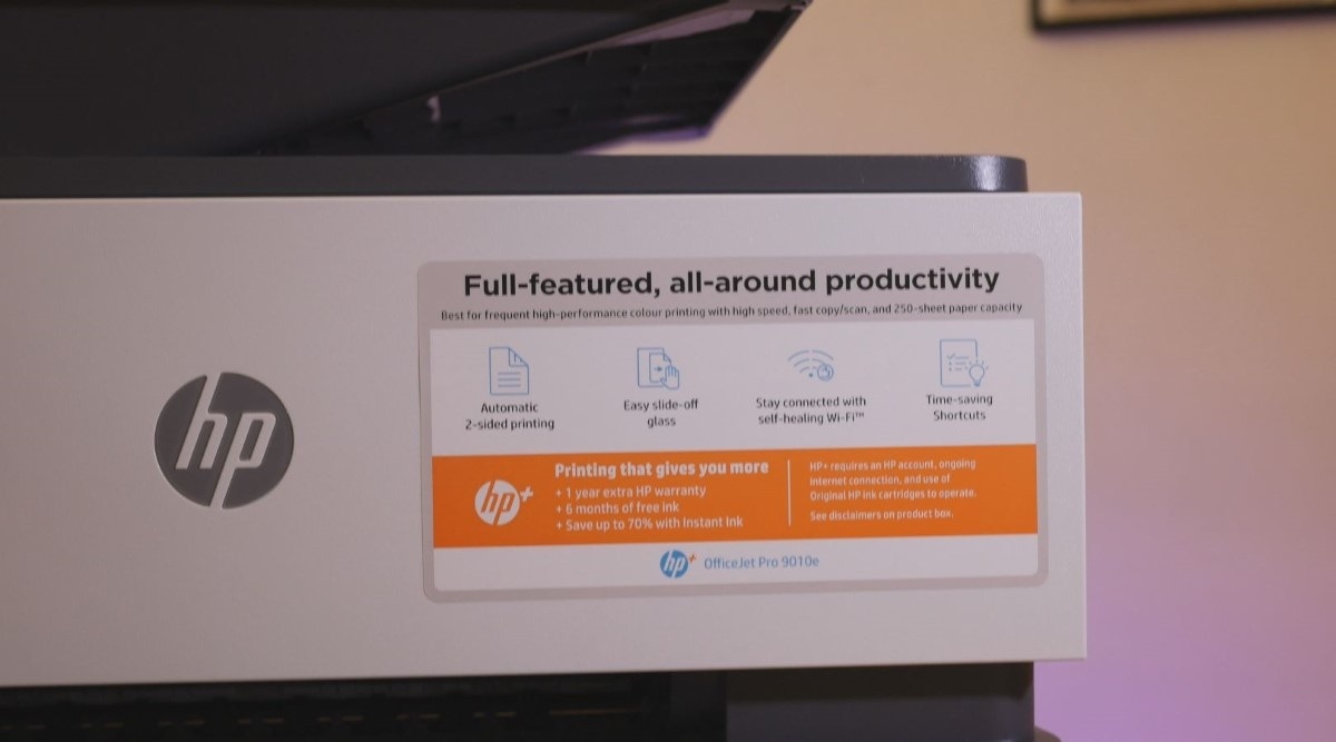 HP+ drukarka w biurze
