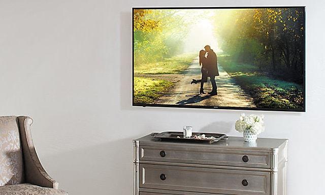 telewizor 4K z HDR o przekątnej ekranu 40 cali