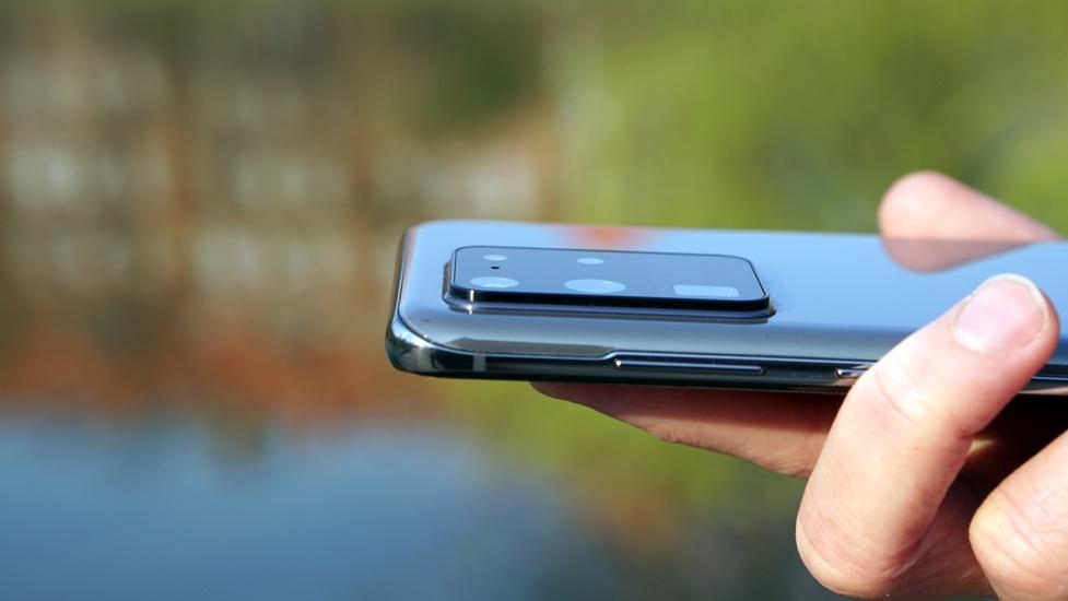 Aparaty w Samsungach będą... odchylane? Nietypowy patent zmieni zdjęcia szerokokątne