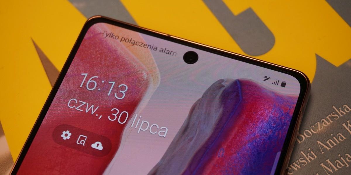 Samsung Galaxy Note 20 z frontu wygląda podobnie do poprzednika