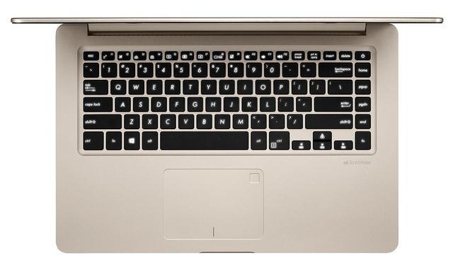 Klawiatura VivoBook S poprawia komfort i ergonomię pracy.