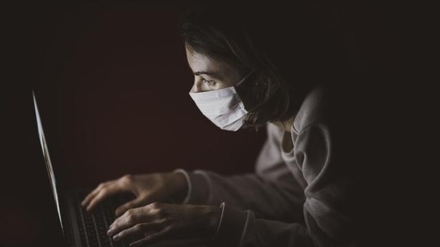 Szczyt zakażeń koronawirusem w Polsce przewidziała... sztuczna inteligencja
