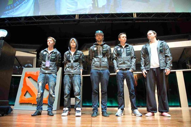 """Sponsorowany przez Razera zespół """"ALLIANCE"""" wygrywa 1,4  MILIONA DOLARÓW (OKOŁO 4,5 MLN PLN)"""