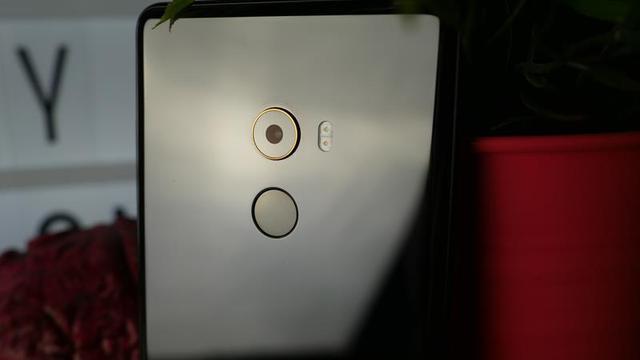 Xiaomi Mi Mix 2 tył smartfona