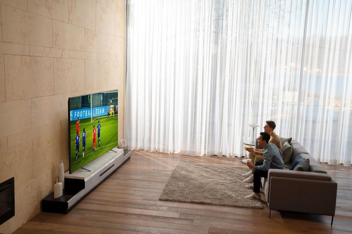 Oglądanie sportu na telewizorze Nanocell