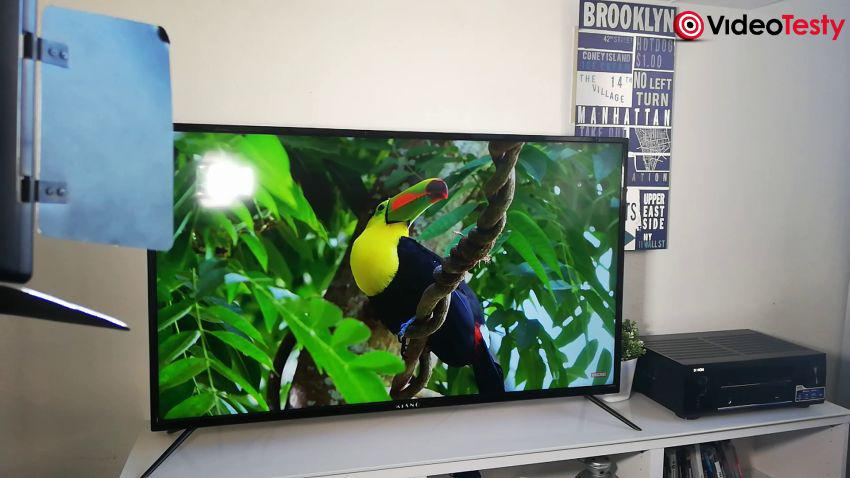 Kiano Slim TV50 koło projektora