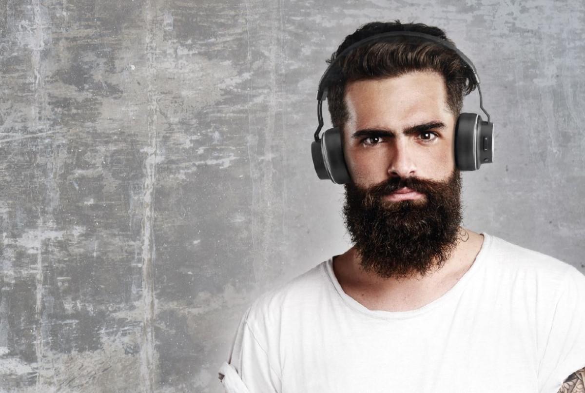Audictus Winner na brodatym mężczyźnie